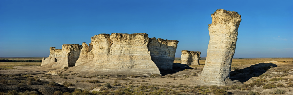 GigaPan image of Monument Rocks, Kansas.